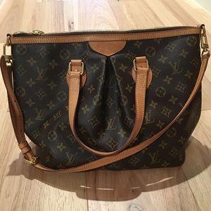 Basically New Louis Vuitton shoulder bag Palermo